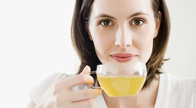 Why we should ALL be drinking green tea