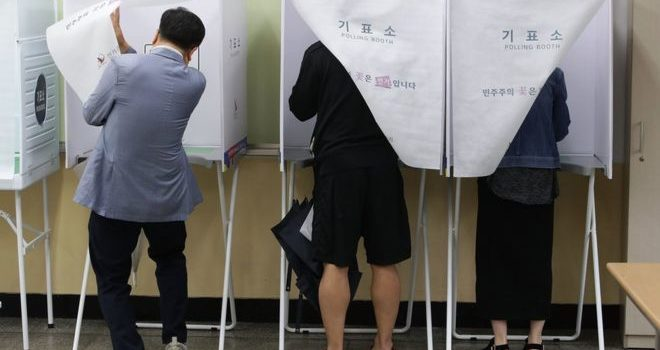 South Korea election: Polls open to choose new president