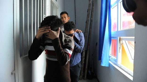 Two gay men sentenced to 85 lashes in indonesia