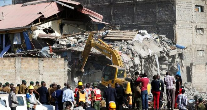 Nairobi building collapse: '15 missing' as residents join search