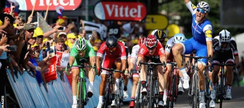 Tour de France 2017: Marcel Kittel wins stage six, Froome retains yellow jersey