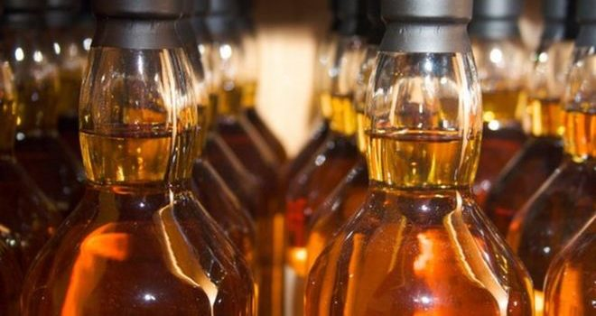 Minister calls for Scotch whisky to be defined in law