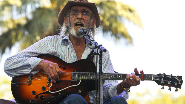Country Star Don Williams Dies at 78
