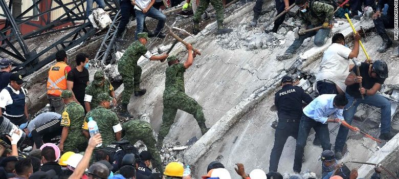 Mexico earthquake: A rush to save lives amid 'new national emergency'