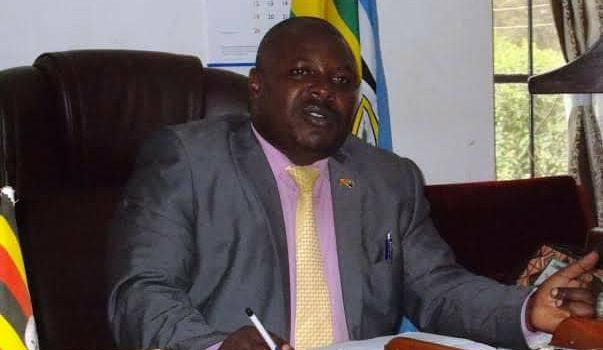 Kabale District Chairperson asks Police officers to be professional