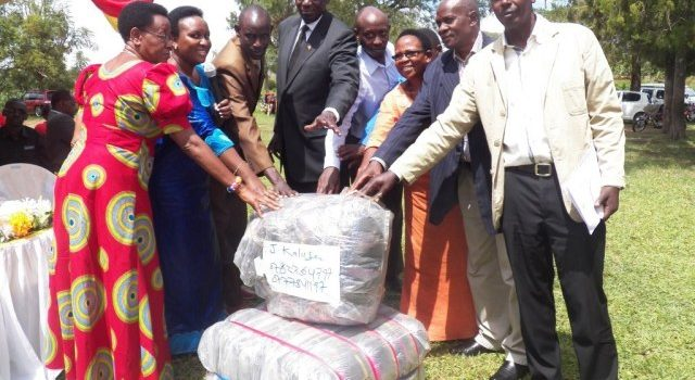 Councilors urged to stop mixing politics with service delivery.