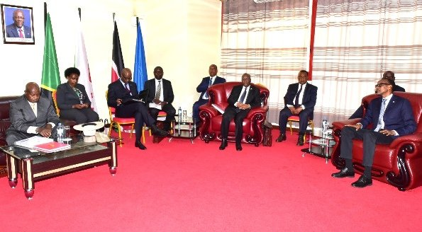 President Museveni  arrives in Arusha as he prepares to hand over  East Afican Community Chairmanship to Kagame,