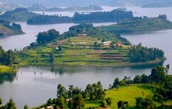 Farmers living in communities around Lake Bunyonyi urged to use better farming methods to protecting the lake from silting.