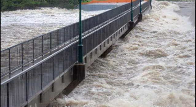 Australia deploys army to tackle 'once-in-a-century' floods.