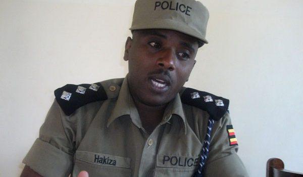 Hoima: Man cons Parents with fake student Bursaries, arrested