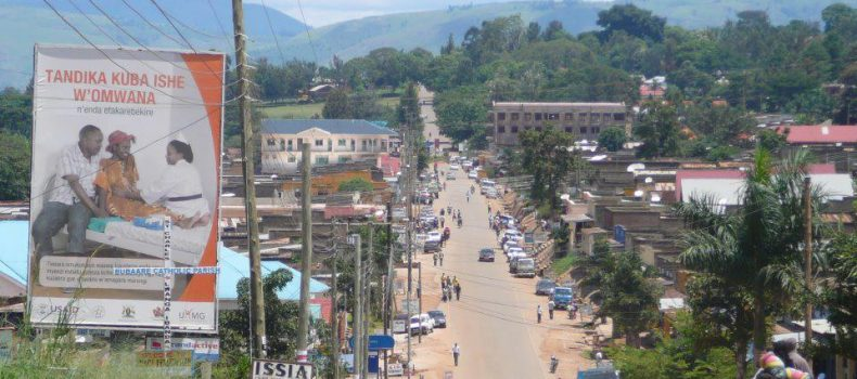 Ibanda University students clean Ibanda town