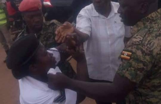 Retired Maj. Gen Kyaligonza's Escorts detained for assaulting a traffic policewoman.