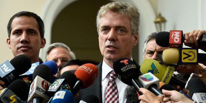 Venezuela expels German ambassador .