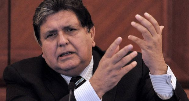 Former Peruvian president who shot himself dies with bribery cases.