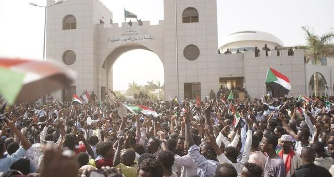 African Union sets deadline for Sudan power transfer.