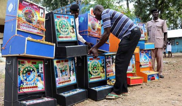 Kenya deports 17 foreigners for 'illegal gambling'.