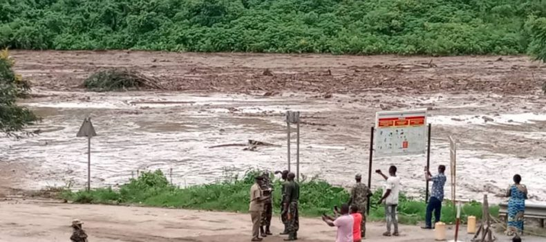 Kasese floods leave 6 dead,Police and UPDF engage in rescue efforts