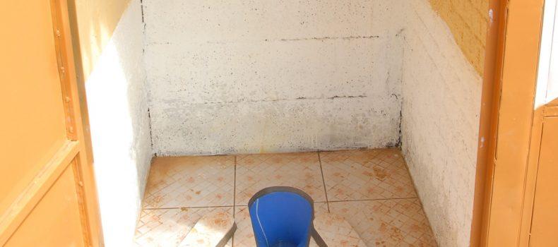 Mulore market operating without toilet