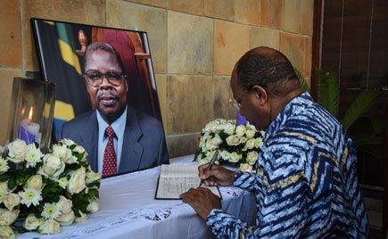 Former Tanzanian President Benjamin Mkapa did not die of #COVID_19