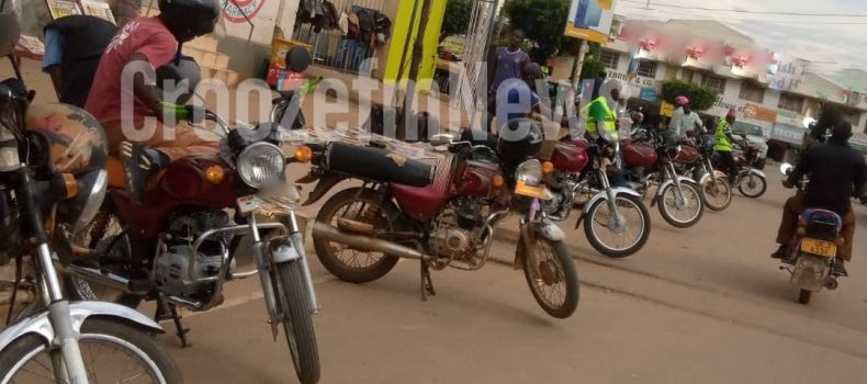 Traffic wardens turned us into source of income – Mbarara boda boda riders