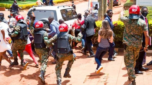 President Museveni guides military police on handling riots